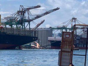 Sập Giàn Cẩu Khổng Lồ Tại Cảng Cao Hùng, Đài Loan